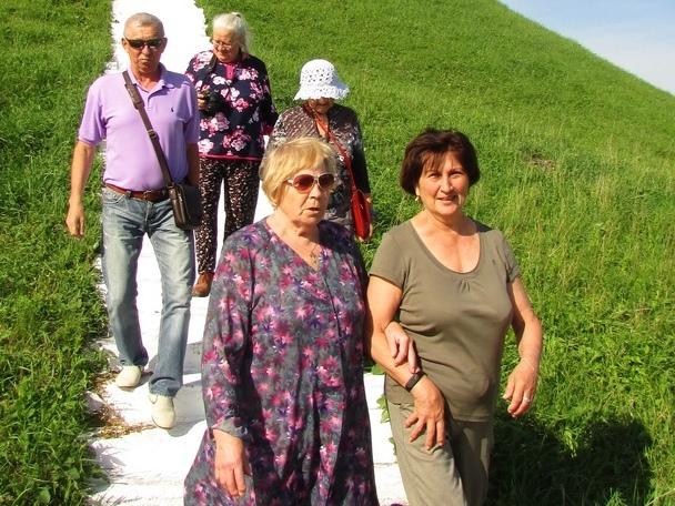 Город Грозный увидели пенсионеры из вологодского центра «Забота»
