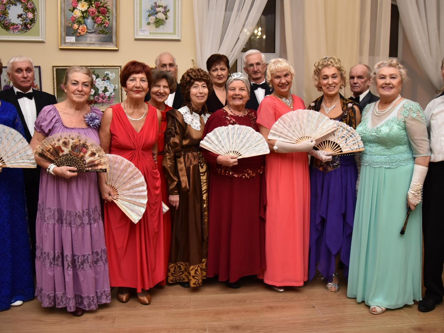 «Сто лет спустя» встретились танцоры «Заботы»